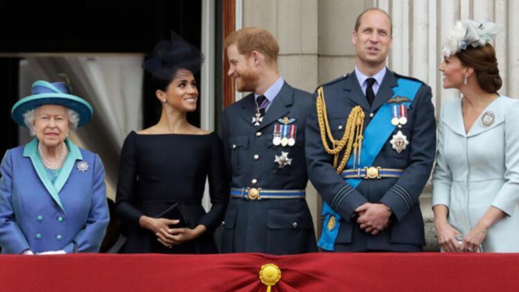 """İngiliz Kraliyet Ailesi Prens Harry krizine çözüm için """"zirvede"""" bir araya gelecek"""