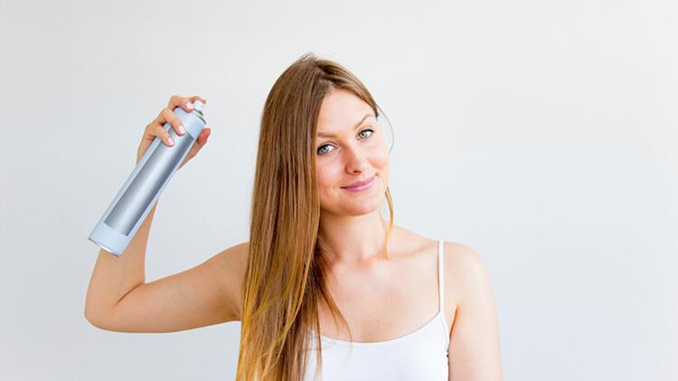Kuru Şampuan Hakkında: Nasıl Kullanılır? Zararlı Mıdır?