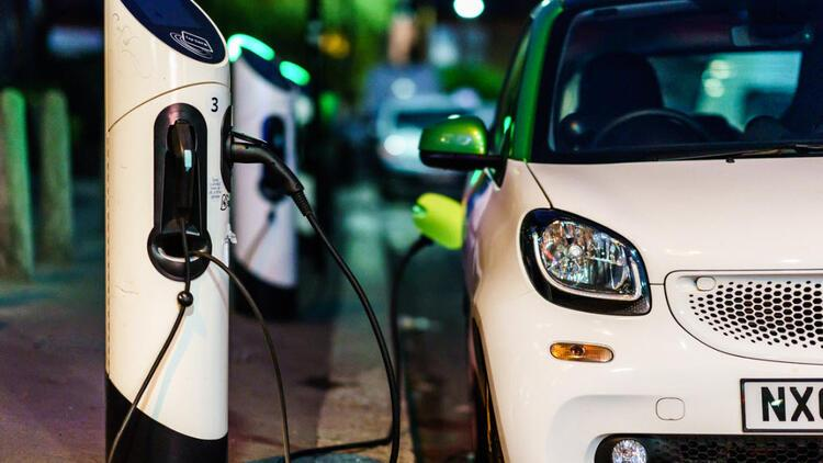 Almanya'da elektrikli otomobile geçiş 410 bin kişinin işsiz kalmasına neden olabilir