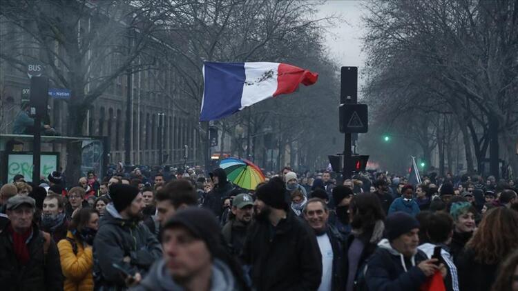 Fransa Ekonomi Bakanı'ndan grev açıklaması