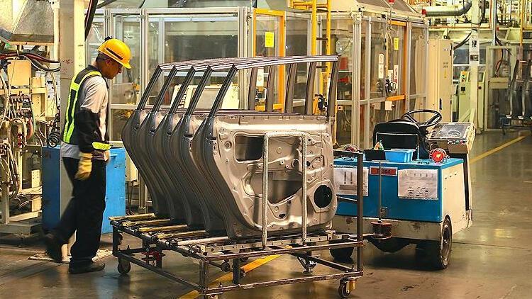 Euro Bölgesi'nde sanayi üretimi kasımda arttı