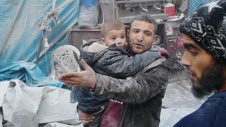Son dakika haberi... İdlib'te pazar yerine hava saldırısı: 15 sivil öldü