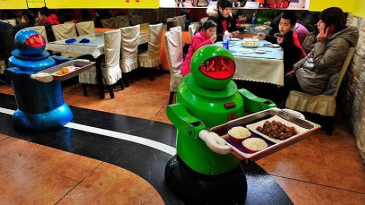 Robotların çalıştığı restoranlar bir bir batıyor