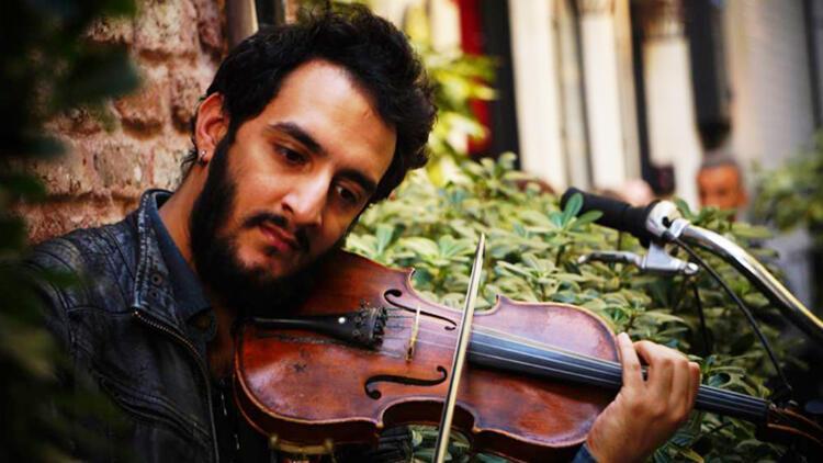 Tek Kişilik Orkestra Sunan Müzisyen Erdem Altınses