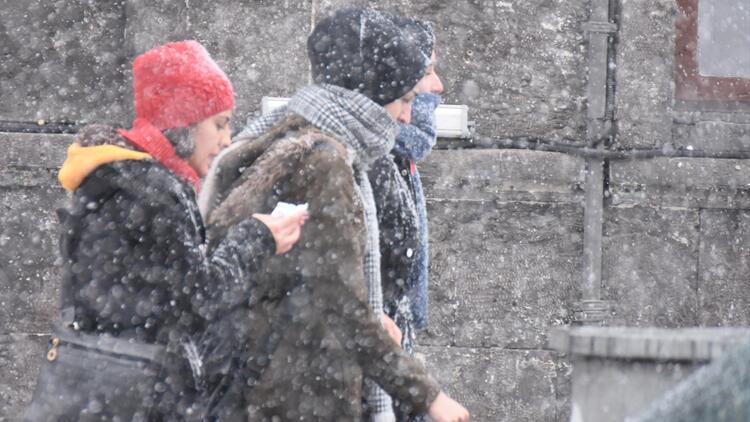 Son dakika haberler: Meteorolojiden dikkat çeken uyardı İstanbul ve Ankara'ya kar geliyor…