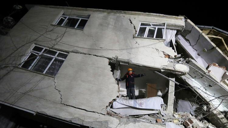 Son dakika haberi! Bakan Selçuk: Elazığ ve Malatya'da SGK prim ödeme süresini 30 Nisan'a uzattık