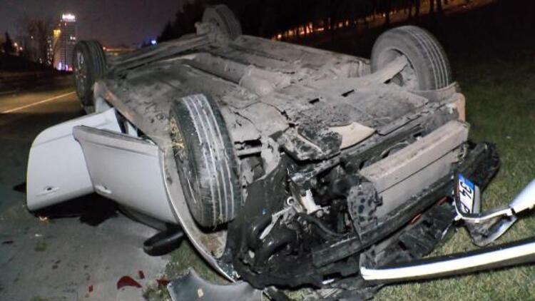 Esenyurt'ta otomobil takla attı: 2 yaralı