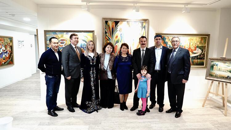 Köln'de 'Kazakistan Sanatında Kadınlar' sergisi açıldı