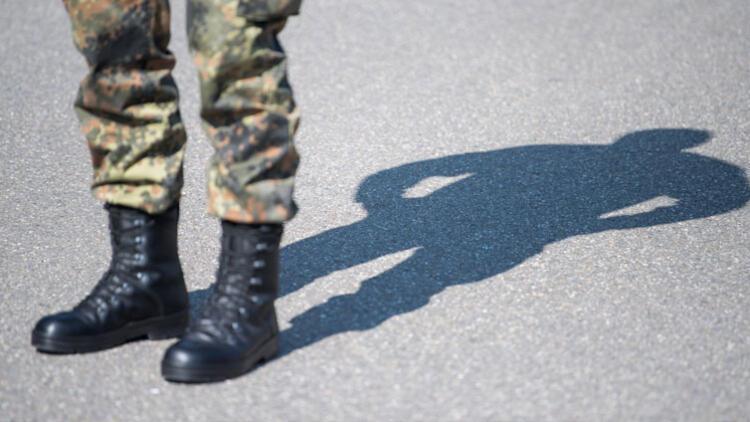 Alman ordusunda neonazi alarmı