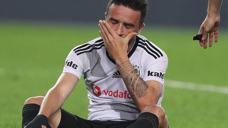 Göztepe - Beşiktaş maçı öncesi Gökhan Gönül'den kötü haber