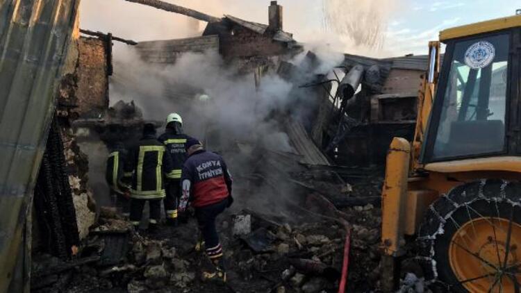 Konya'da tek katlı evde yangın: 3 ölü