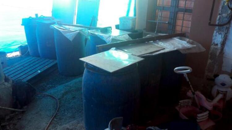 Adana'da bin 380 litre sahte içki ele geçirildi