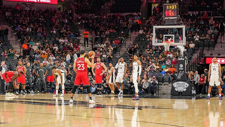 NBA maçında Kobe Bryant için 24 saniye hücum yapılmadı!