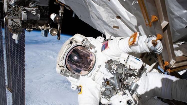 Astronotlar, Alfa Manyetik Spektrometre'nin onarımı için uzay yürüyüşüne çıktı