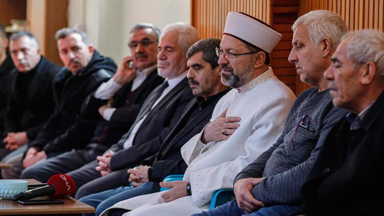 Diyanet İşleri Başkanı Erbaş'tan depremzedelere taziye ziyareti