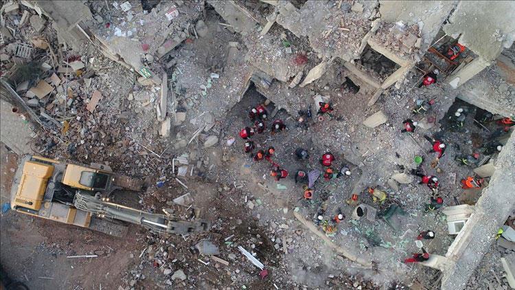 Son dakika... Elazığ depremindeki can kaybı 40'a yükseldi!