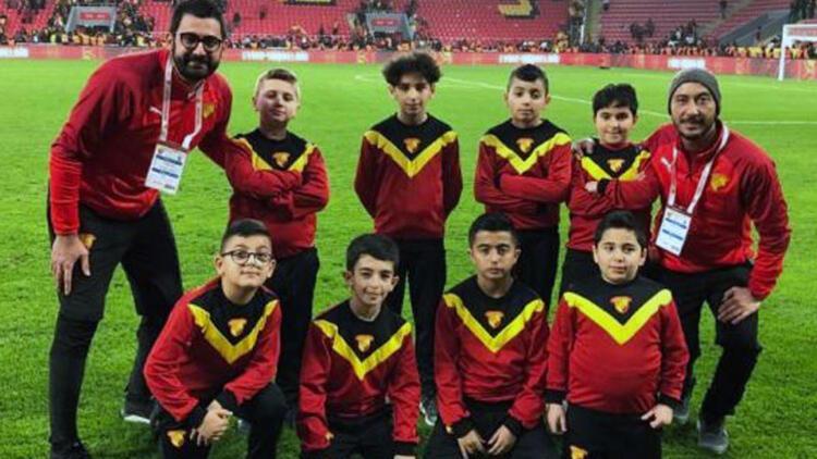 Göztepe FC London gençleri sahaya çıktı