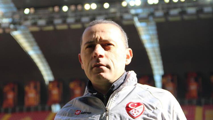 FIFA Cüneyt Çakır'ın biletini kesti iddiası