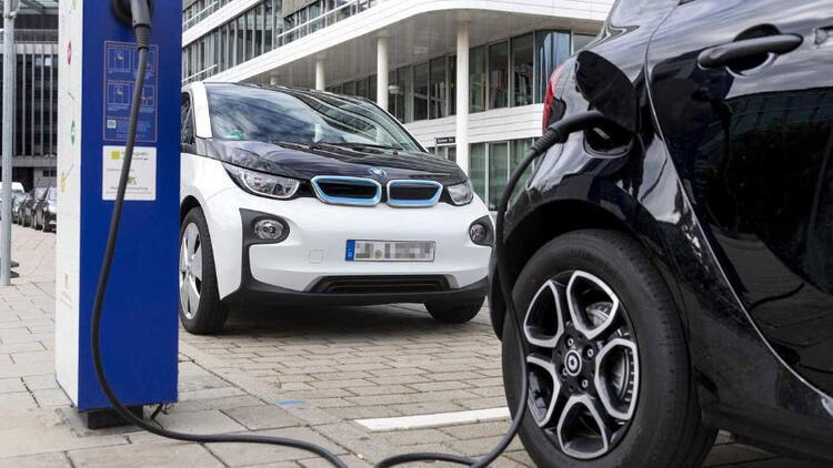 Elektrikli araçlar batarya değişimine hazırlanıyor