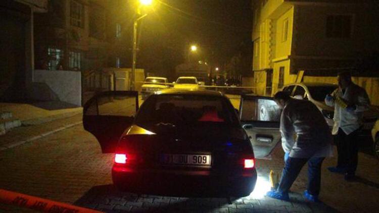 'Dur' ihtarına uymayıp polise çarpan otomobil sürücüsü aranıyor