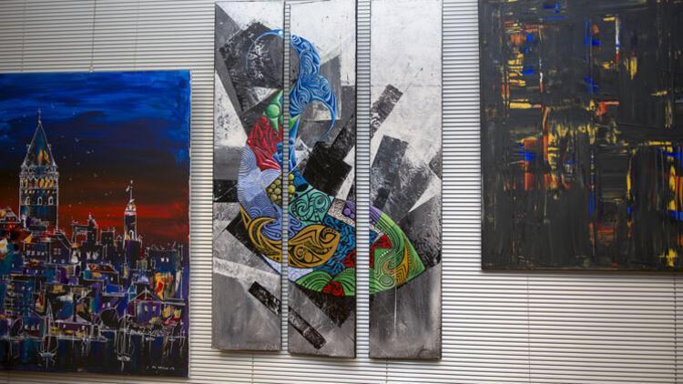 Londra'da İkinci Türk Toplumu Sanat Sergisi'ne yoğun ilgi