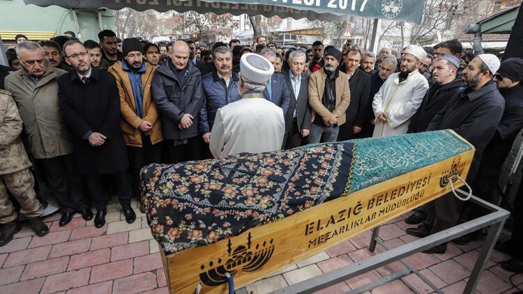 66 saat sonra cansız bedenine ulaşılan Türkan Kaplan, son yolculuğuna uğurlandı