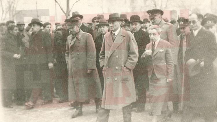 Büfede tesadüfen ortaya çıktı! İşte Atatürk'ün görülmemiş fotoğrafları