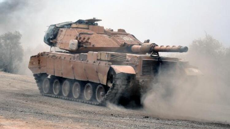 Hatay sınırına askeri araç sevkiyatı
