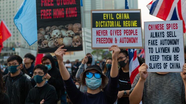 Çin'deki salgın kamplardaki Uygur Türklerini tehdit ediyor