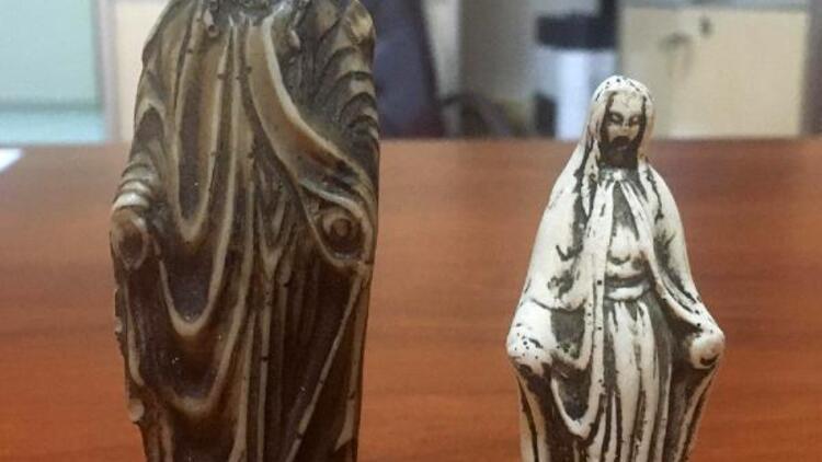 Edirne'de, 'Meryem ana' figürlü heykelcikler ele geçirildi