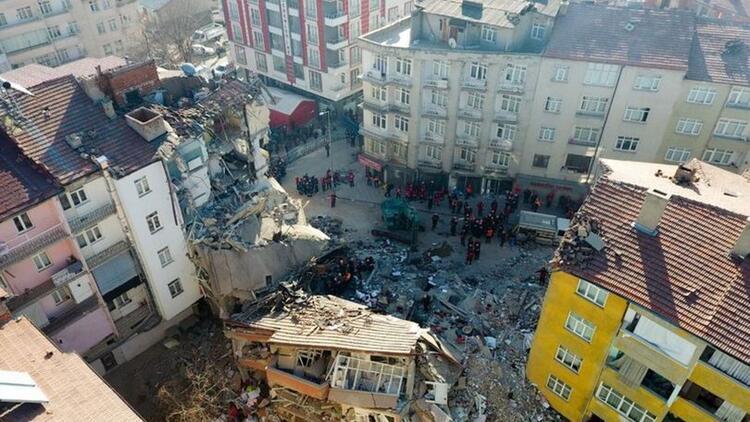 'Deprem bölgesinde 23 mobil baz istasyonu görev yapıyor'