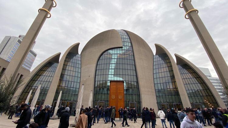 Köln Camisi'ni turistlere 22 rehber anlatacak