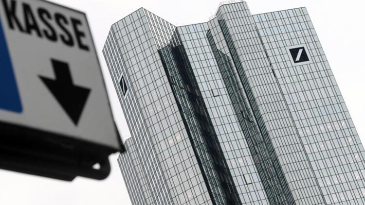 Deutsche Bank'ın zararı 5.7 milyar Euro