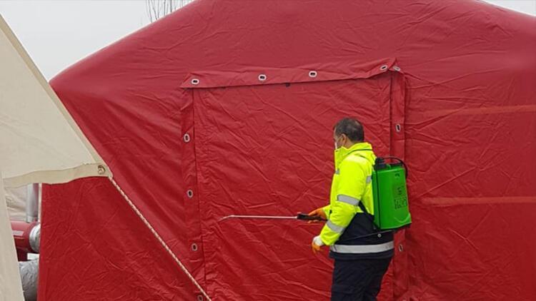 Elazığ'da çadır alanları dezenfekte ediliyor