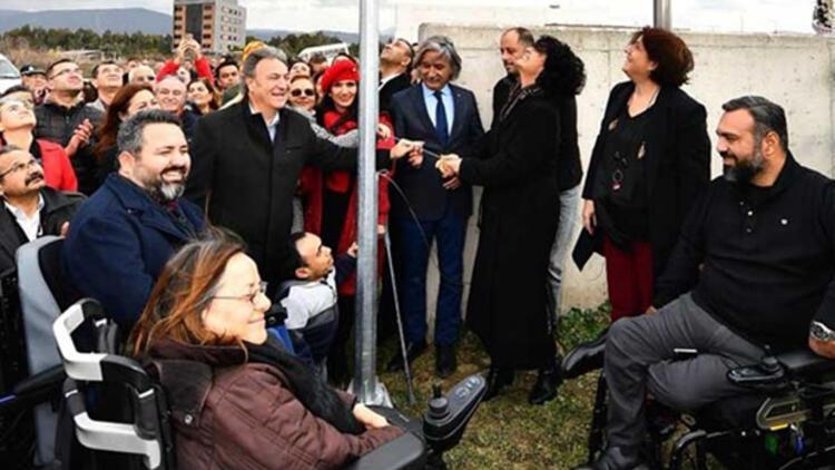 """İzmir'deki Yeşilova Höyüğü'ne """"kırmızı bayrak"""" verildi"""