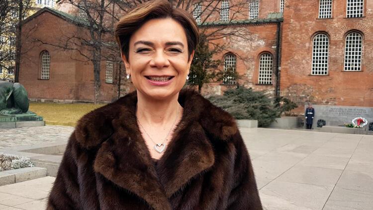 Sofya'nın ilk kadın Büyükelçisi, güven mektubunu Radev'e sundu