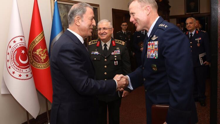 Milli Savunma Bakanı Akar, NATO Avrupa Müttefik Kuvvetler Komutanı Wolters'ı kabul etti