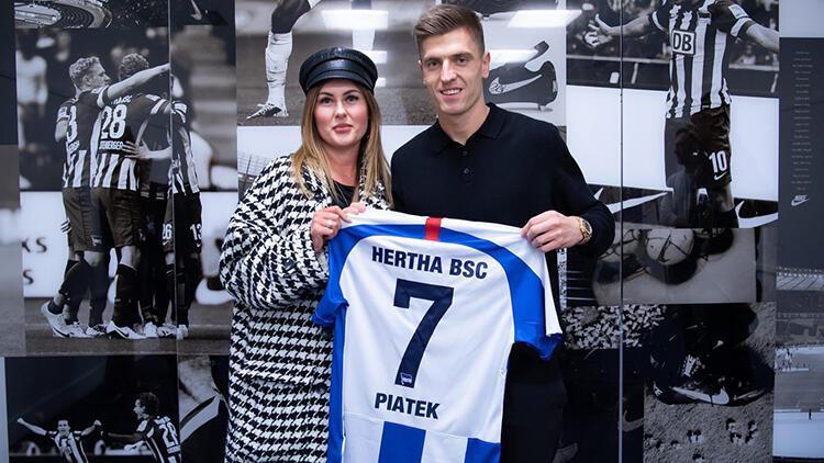 Hertha Berlin, Milan'dan Polonyalı golcü Piatek'i renklerine bağladı