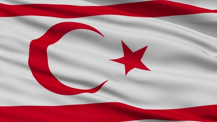 KKTC'den Türkiye bayrağına saldırıya tepki: Irkçı bir zihniyet