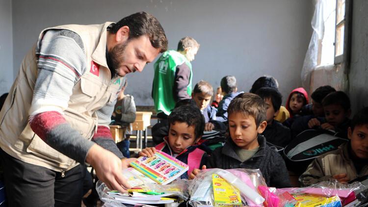 İHH, Suriye'de geçen yıl 700 bin kişiye yardım ulaştırdı