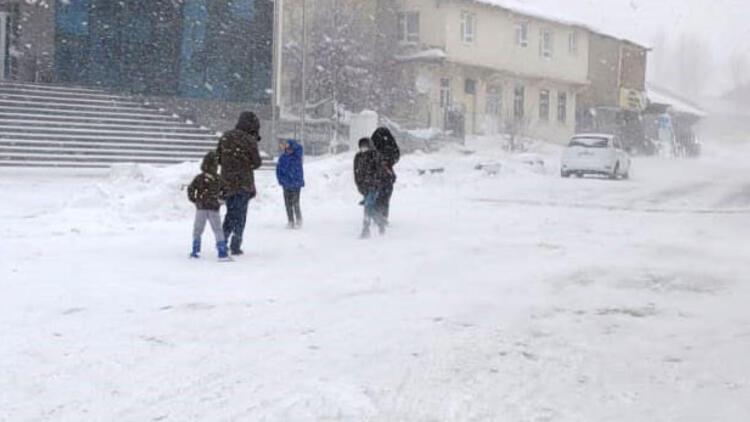 İşte kar yağışı nedeniyle okulların tatil edildiği iller