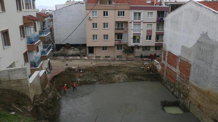 Kazı sırasında 2 binanın temeli kaydı, mahalle sakinleri tedirgin