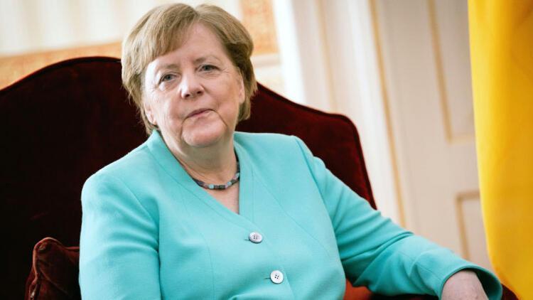 Krizi Merkel çözdü...