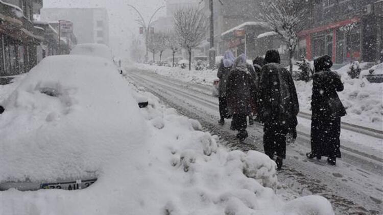 Şırnak'ın 2 ilçesinde eğitime kar arası