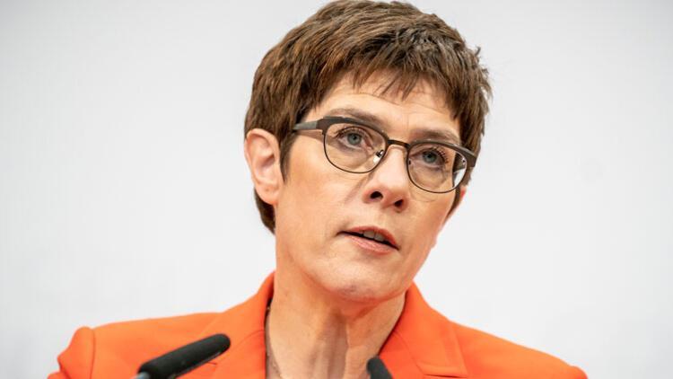 Almanya'da siyasi deprem!