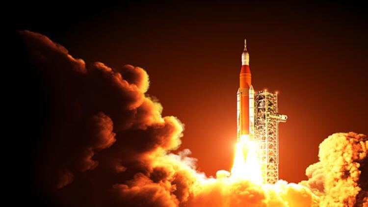 Güneş'in kutup bölgelerini gözlemleyecek keşif uydusu fırlatıldı