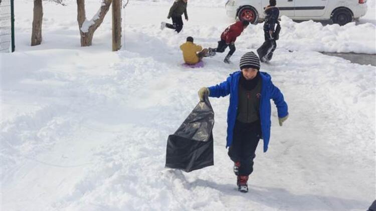 Siirt'in Eruh ilçesinde okullara kar tatili