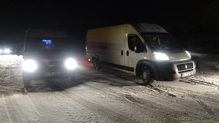 Hatay Yayladağ'ında taşımalı eğitime kar ve buzlanma engeli