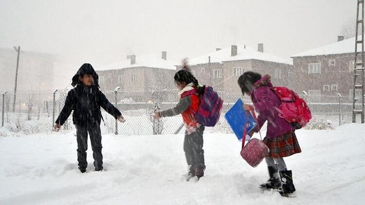 Erzincan'da okullar bugün ve yarın tatil edildi