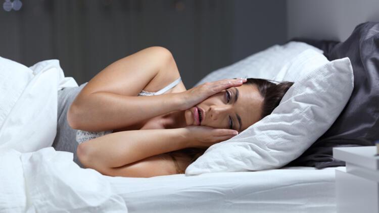 Uykusuzluk beyni yaşlandırıyor, hastalıklara davetiye çıkarıyor